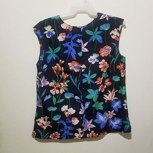 Talbots floral top button down in the back. SZ 16
